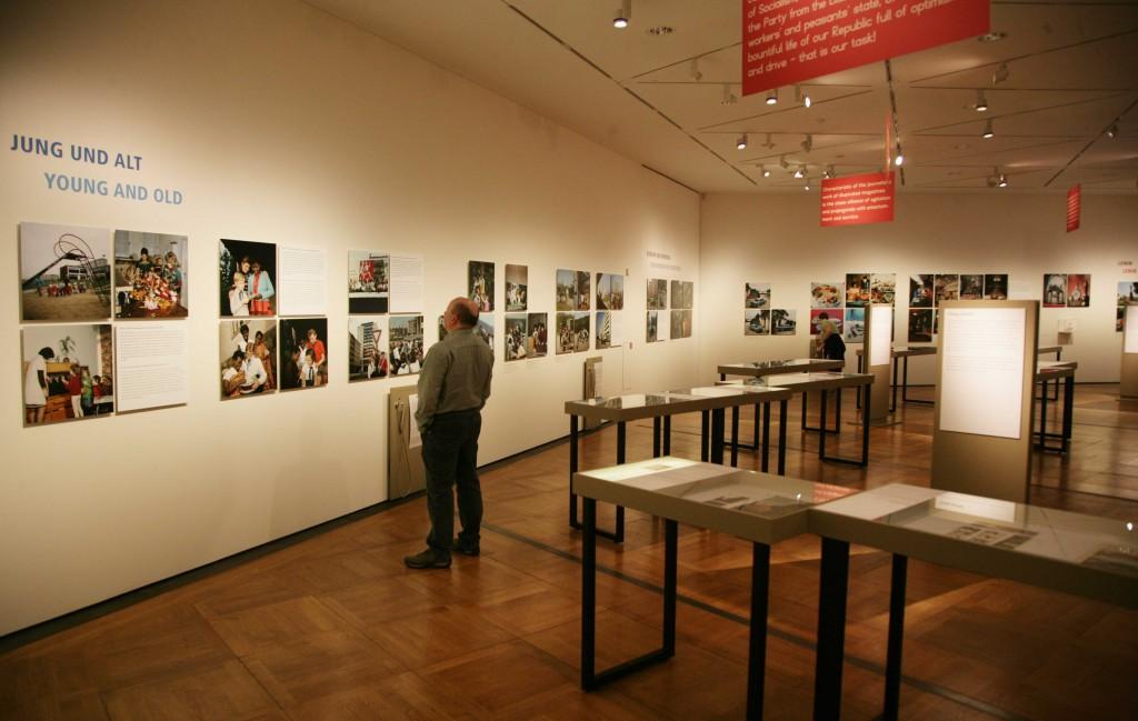 deutsches-historisches-museum_farben-der-republik-01